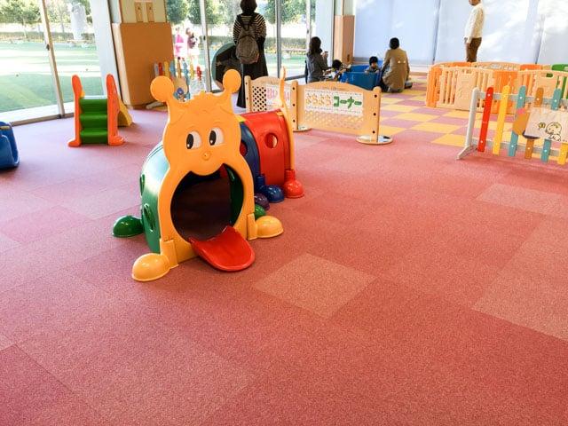 上尾市児童館こどもの城のあかちゃんのおへや内