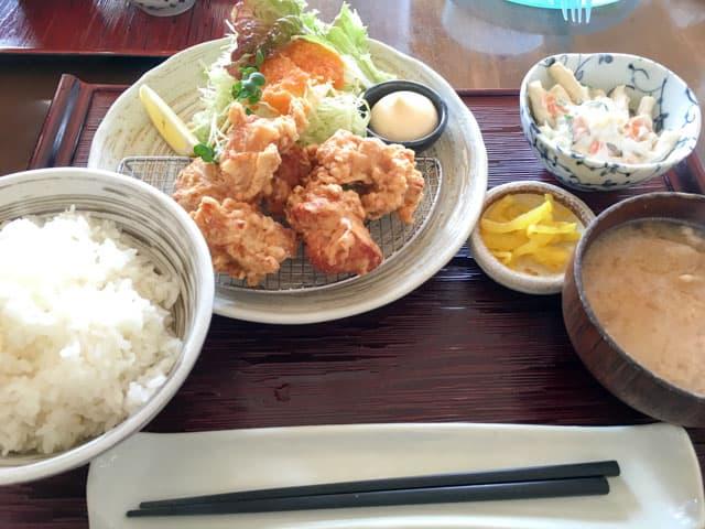 熊谷・加賀家食堂のから揚げ定食