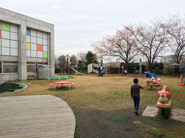 上尾市アッピーランドの中庭