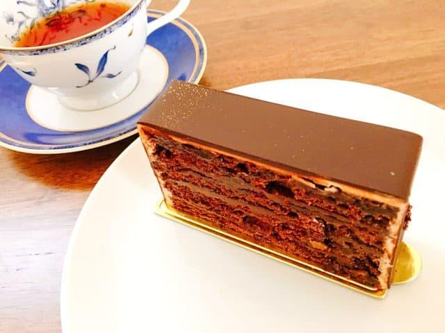 ル コント ブルゥのケーキとお茶