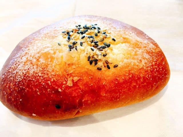 上尾・パン屋パリゼットのさつま芋とチーズクリームのブリオッシュ