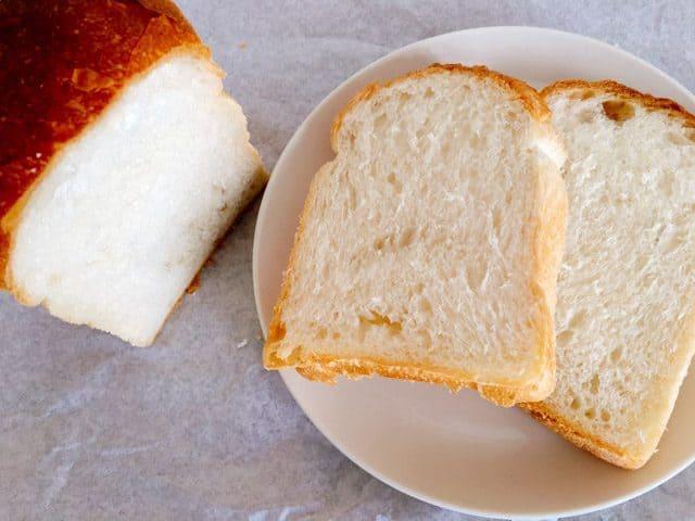 上尾・パン屋パリゼットのパンドミのスライス