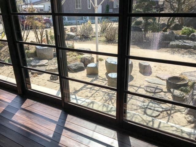 熊谷・のうカフェ縁側からの庭