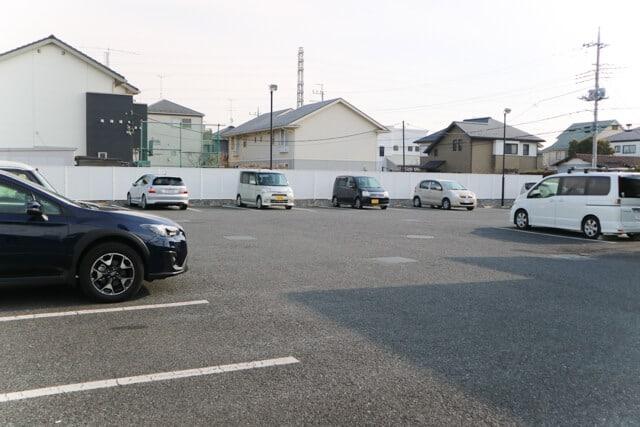星乃珈琲北本店駐車場