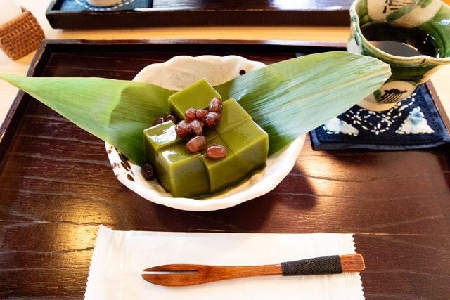 東松山・富久屋のおこわと甘味 花ス五六の抹茶くず餅