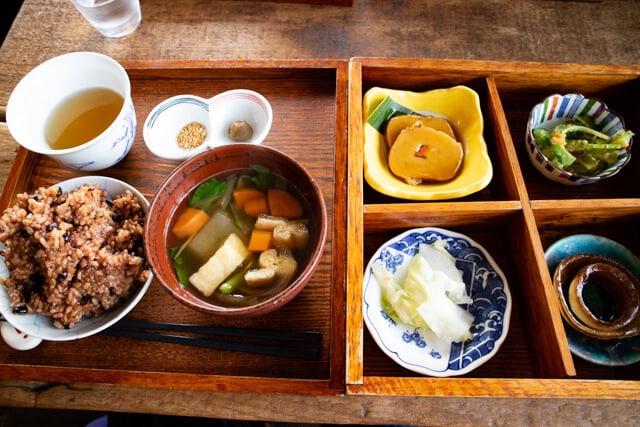 川越 ライトニングカフェ ランチ 酵素玄米の松花堂弁当