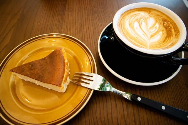 熊谷 COFFEE TRIPSコーヒートリップス チーズケーキ