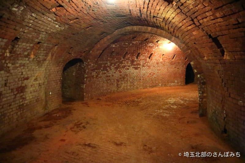 旧煉瓦製造施設ホフマン輪窯6号窯内部1
