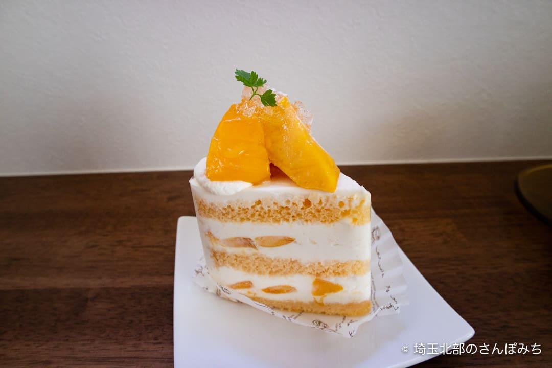 鴻巣ケーキ屋ククのマンゴーのショートケーキアップ
