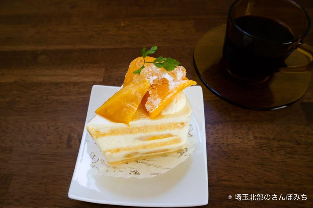 鴻巣ケーキ屋ククのマンゴーのショートケーキ