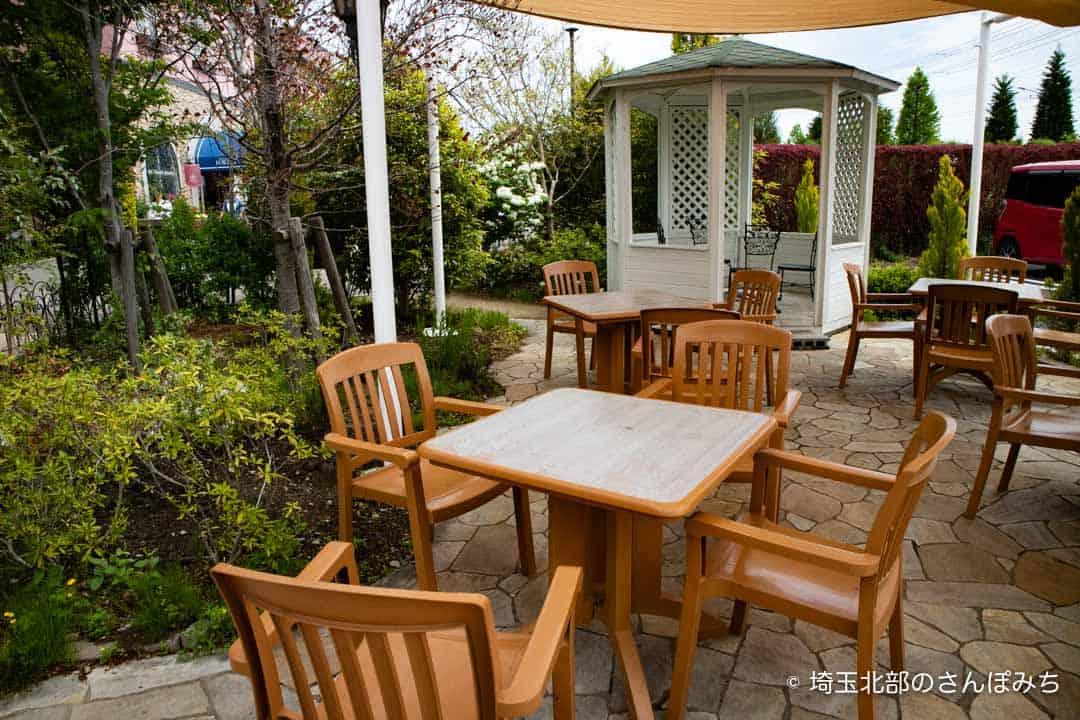 花園フォレスト花園豆腐のテラス席
