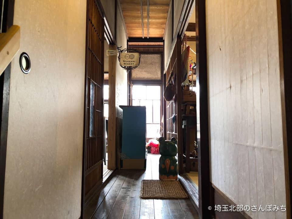 小川町わらしべ2階廊下