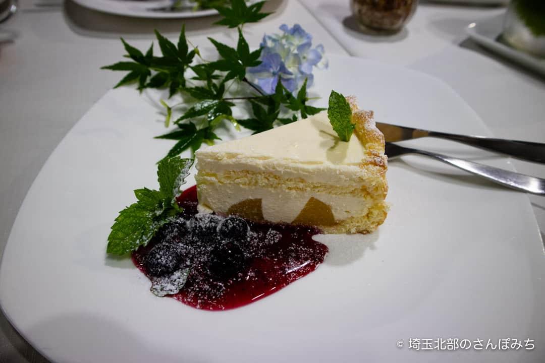 行田カフェ高澤記念館のベイクドチーズ