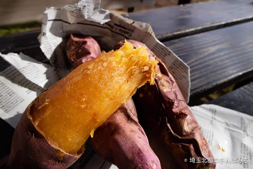 熊谷芋屋TATAの焼き芋食べるところ