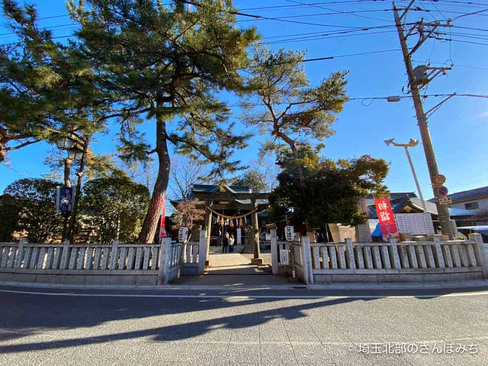 行田八幡神社の鳥居前