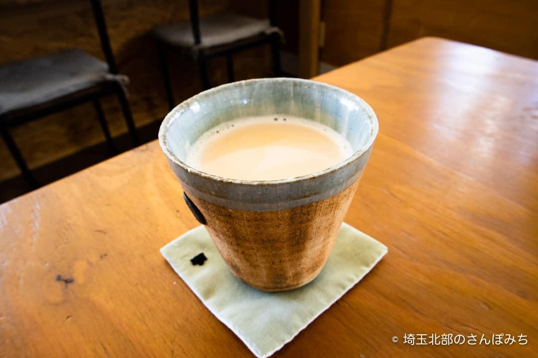 熊谷ヒキカフェのロイヤルミルクティー