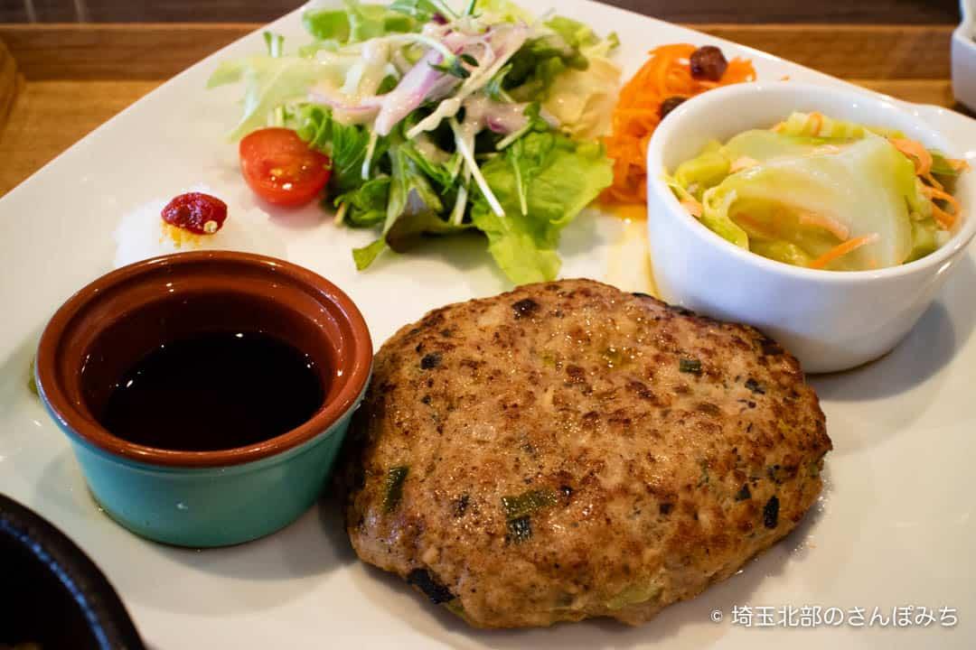 大慶堂ネオガーデンカフェのハンバーグ