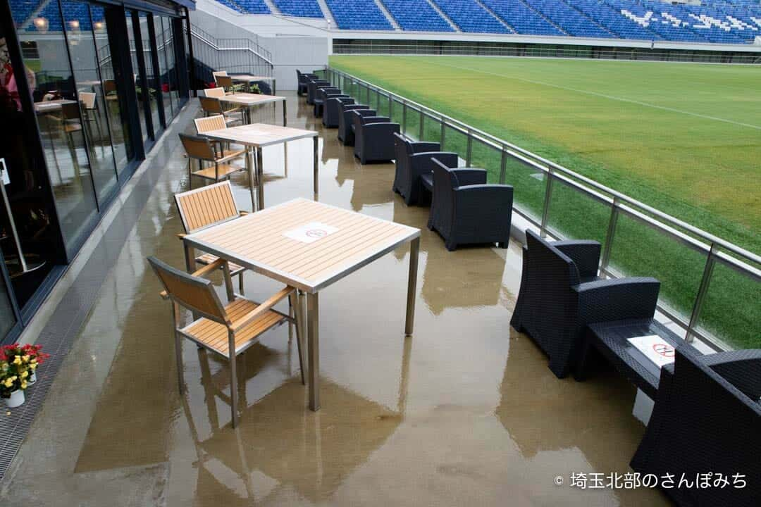 熊谷ラグビー場・キャップラガーズ1階テラス