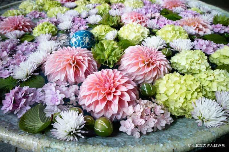行田八幡神社の花手水4月-2