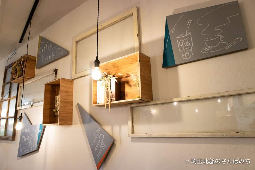 本庄駅カフェ・ステラバの内装