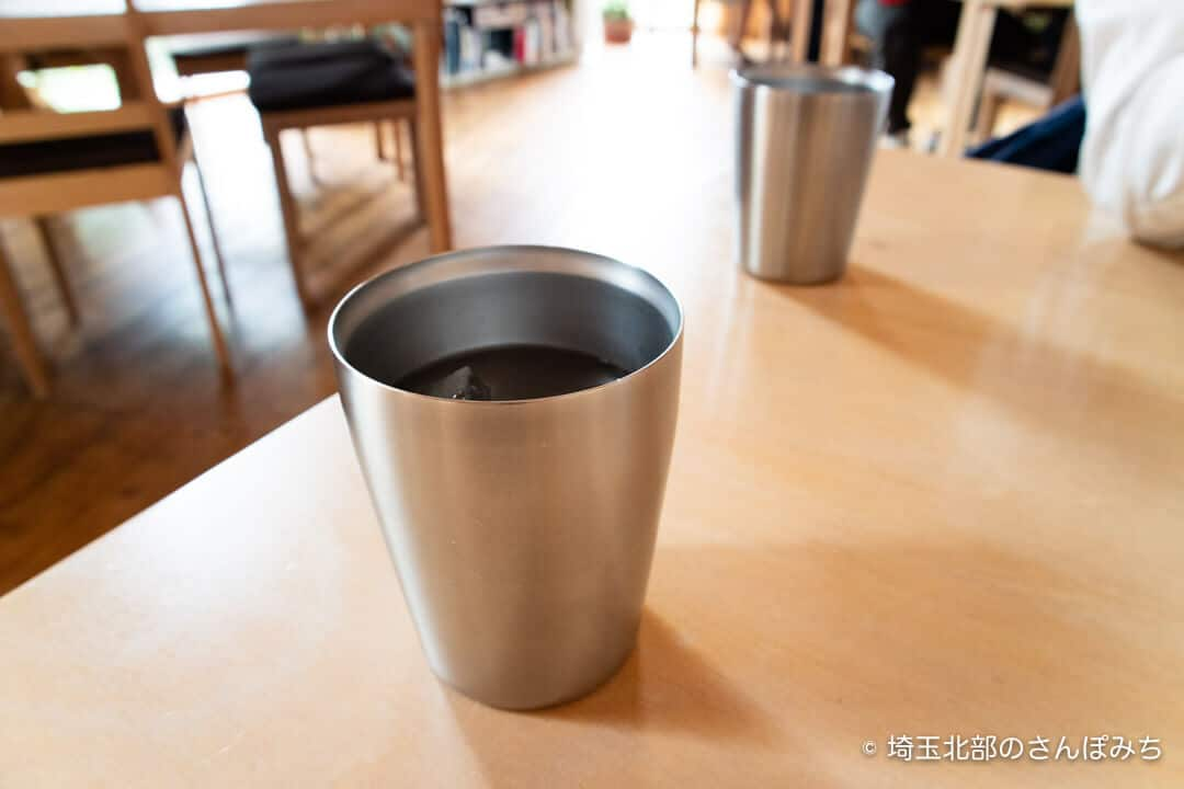 深谷・黒んぼ食堂のコップ