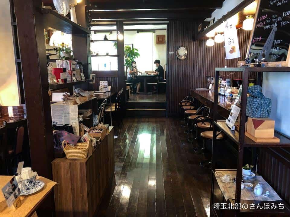 本庄・珈琲工房黒柳(クロヤナギ)の店内