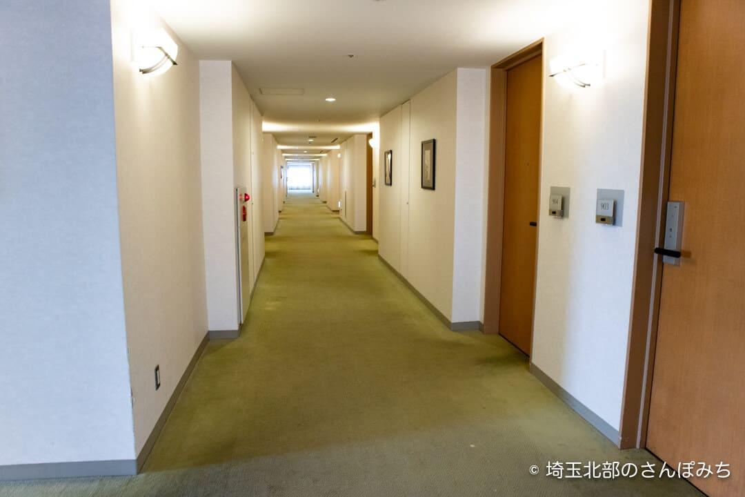 ロイヤルパインズホテル浦和の廊下