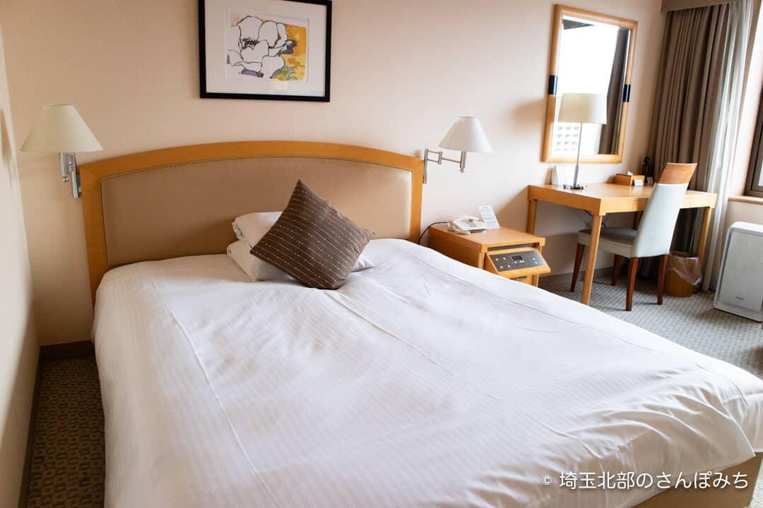 ロイヤルパインズホテル浦和・客室スーペリアダブルのベッド