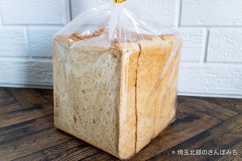 ロイヤルパインズホテル浦和のカフェ・ラ・モーラの食パン