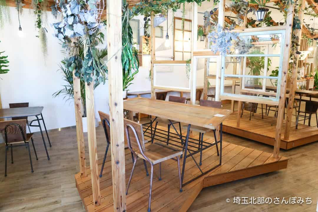 本庄駅カフェ・テラスバの客席