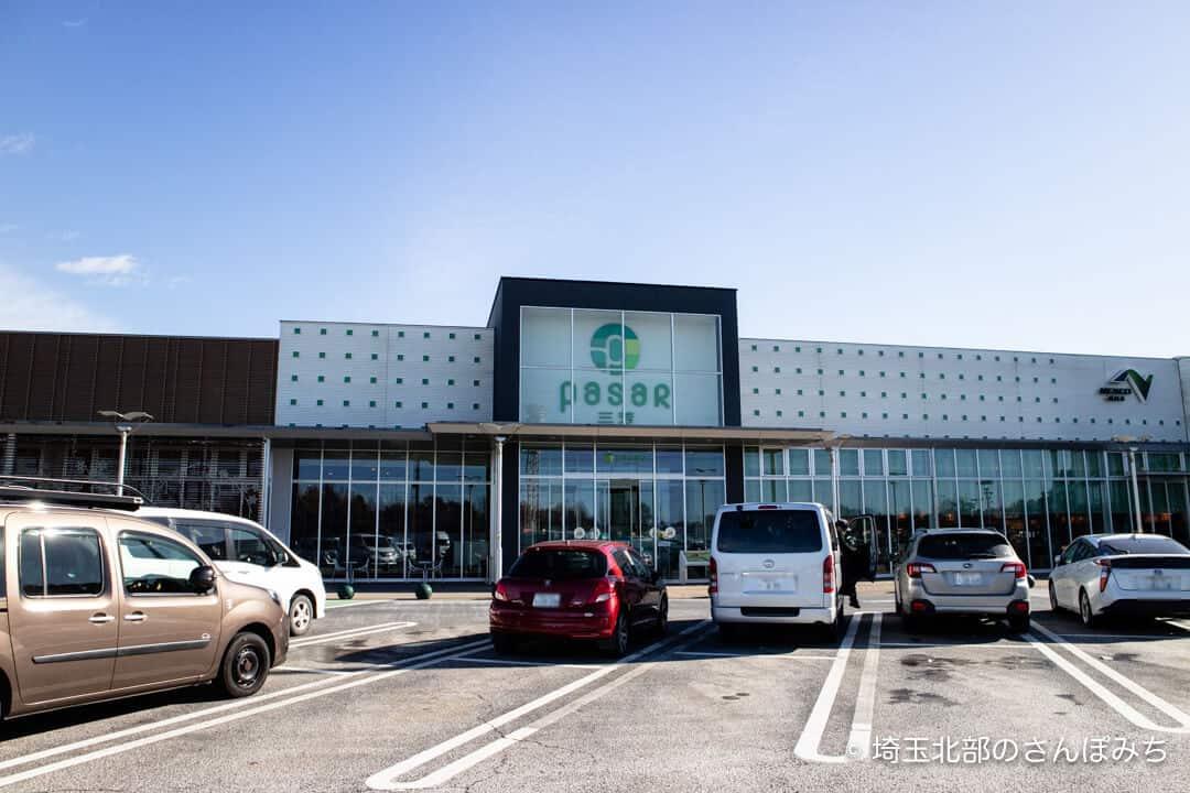 三芳PA(上り)駐車場