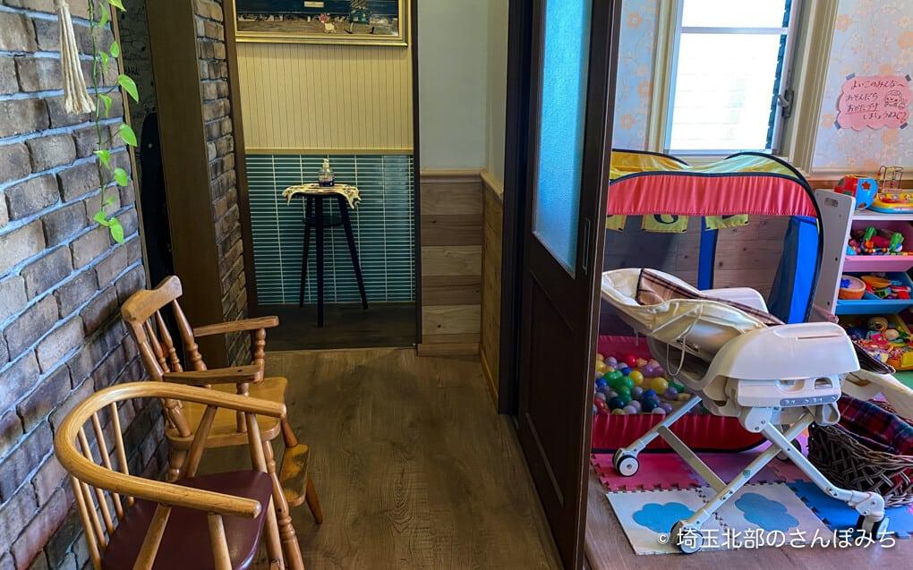 鴻巣・アドマーニの個室