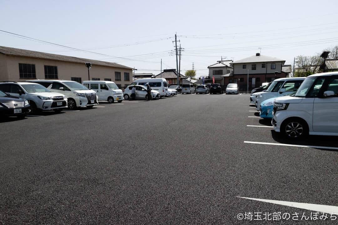 深谷・中の家の駐車場
