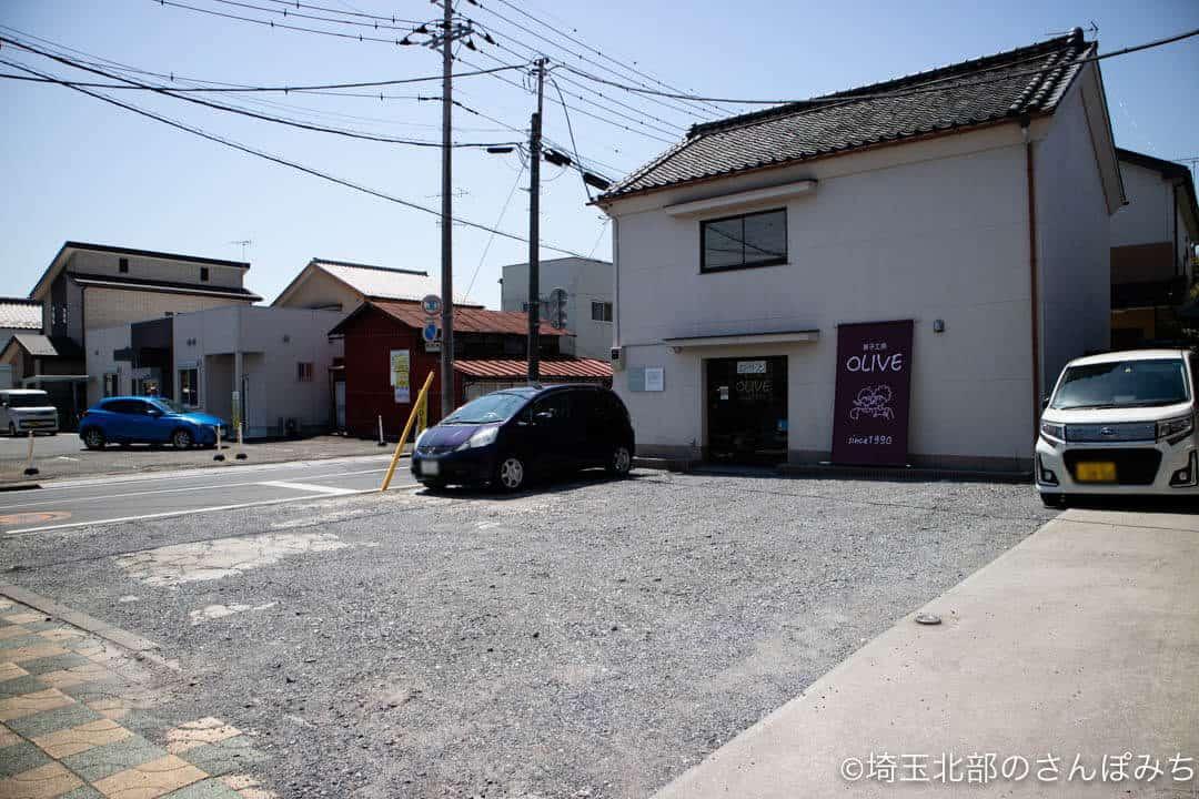 行田・菓子工房オリーブの駐車場