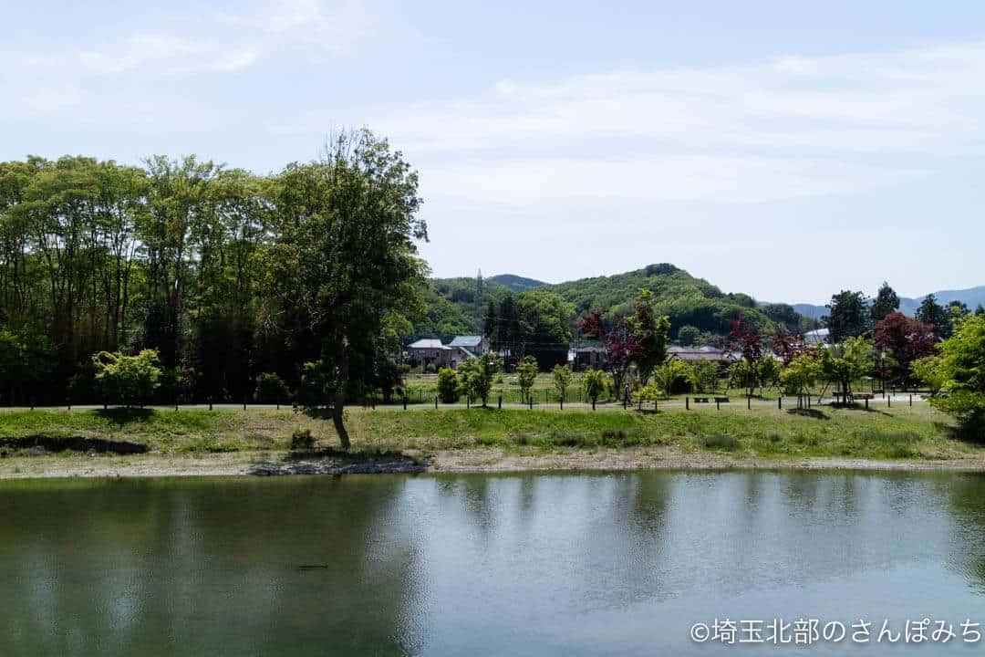 小川町のカレー・強い女の側を流れる槻川