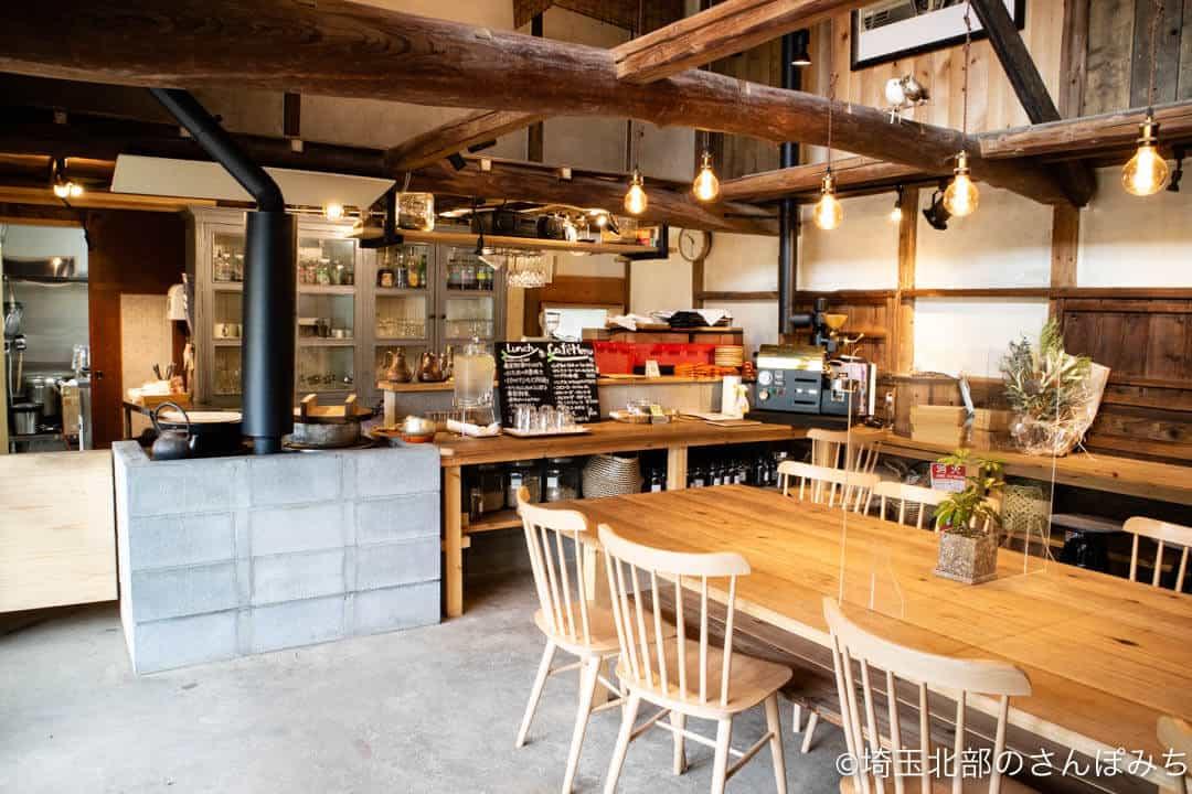 深谷・畑とキッチンカフェのキッチン
