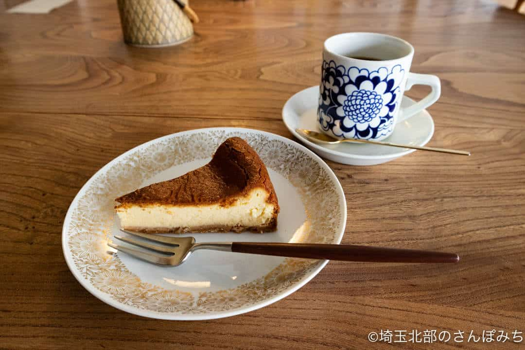 秩父・喫茶カルネのケーキセット