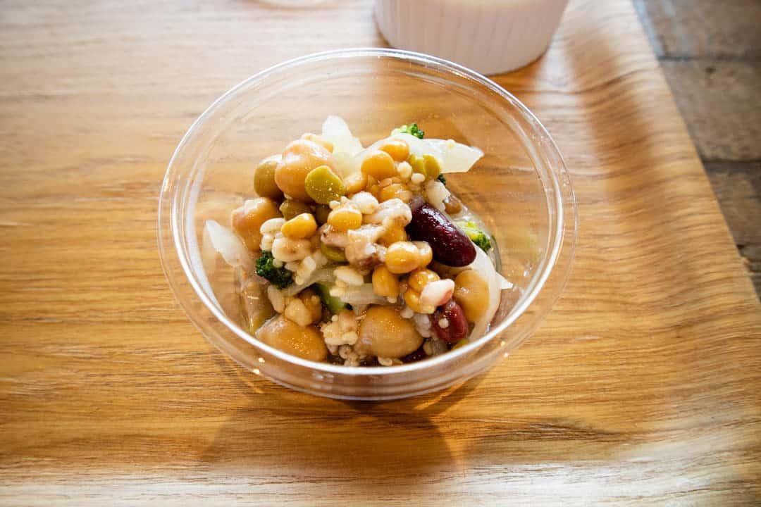 川越・サンドイッチパーラー楽楽のお豆のマリネ