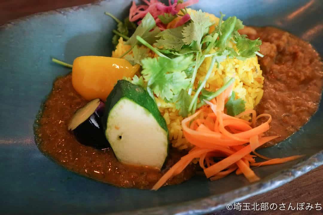 鴻巣・ニューノーマルカフェの2色のカレー(野菜)